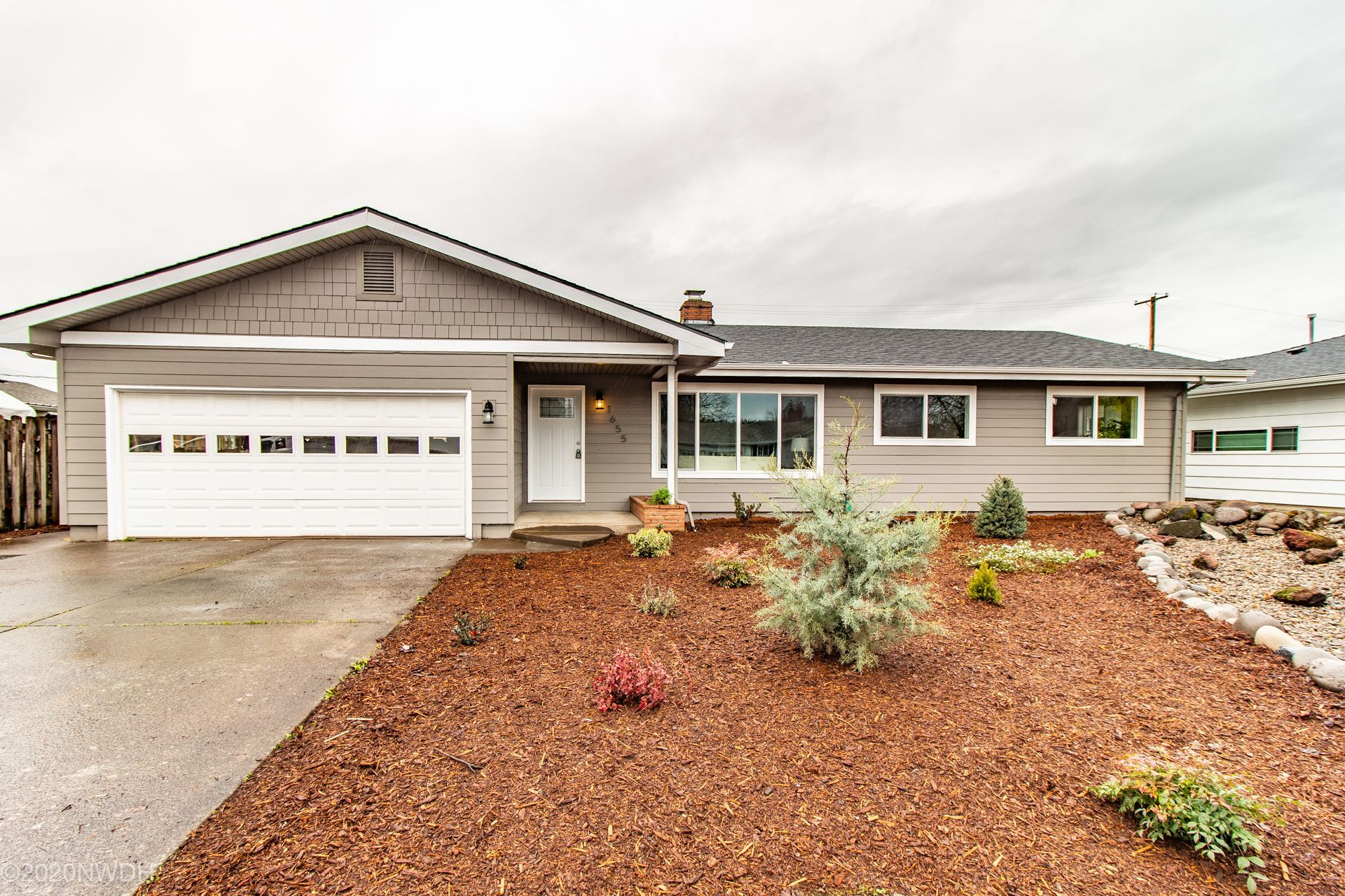1655 W 19th Ave Eugene Or 97405 Charming Remodel In Convenient Location Text Bcteam To 59559 Or Click The Link Below For Com Home Park City Remodel
