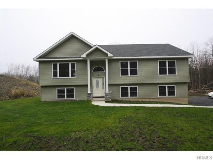 177 Sands Road Middletown Ny 10941 For Sale Homes Com Estate Homes Real Estate Foreclosure Listings