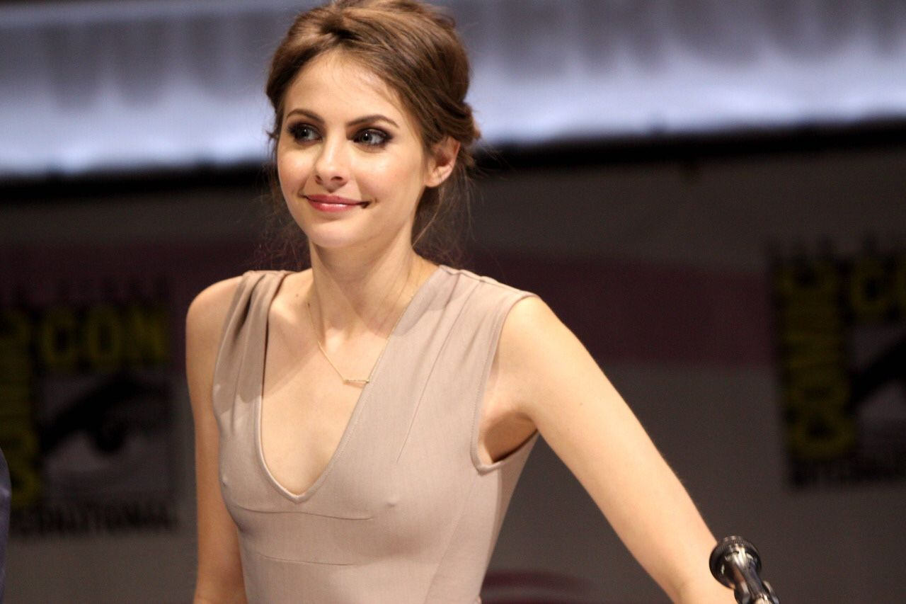 Alison Brie Xxx pinjaime ward on willa holland | willa holland, celebs