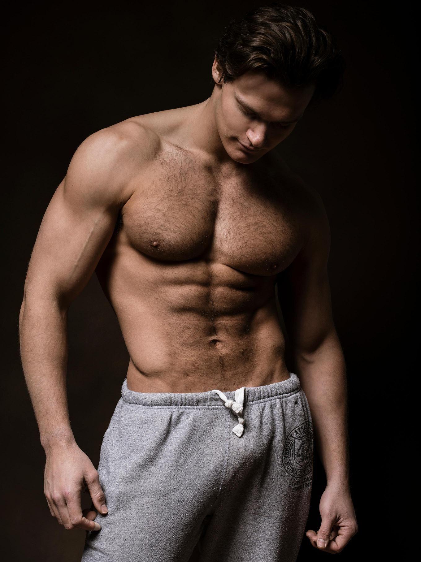 Крупный план мужского тела фото