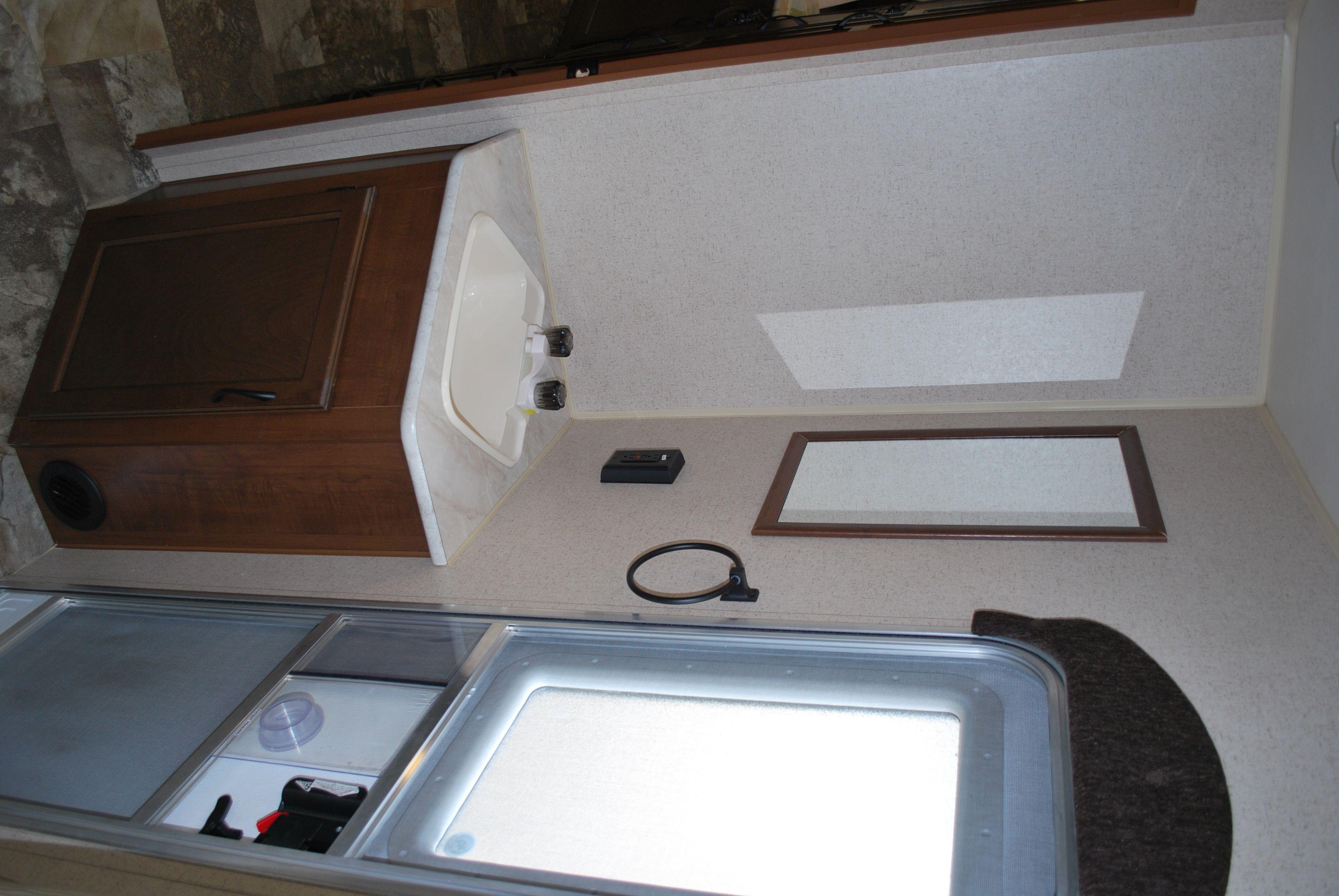 2 waschbecken badezimmer eitelkeiten  schneidigen wohnwagen ohne bad bilder ideen  mehr auf unserer