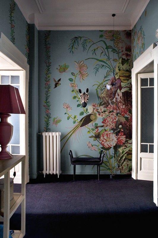 Le papier peint tropical apporte un coup de fraîcheur à notre intérieur tout en créant une ambiance apaisante et propice à lévasion