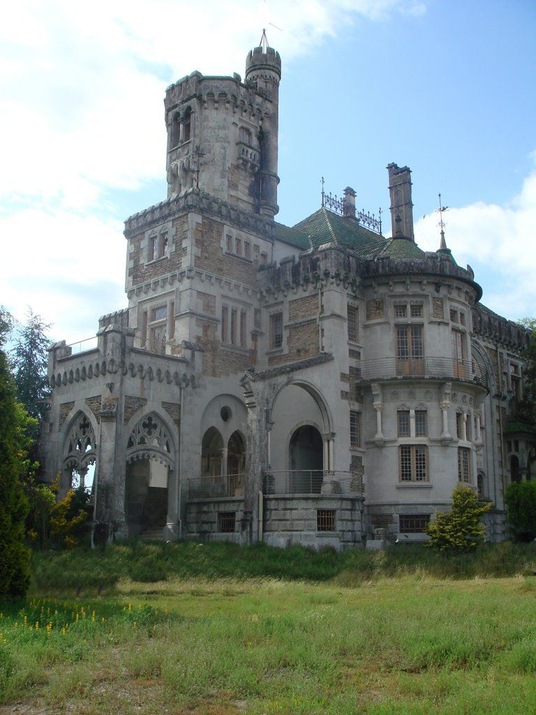Omg! I Would So Live Here. Castle Dona Chica, Braga