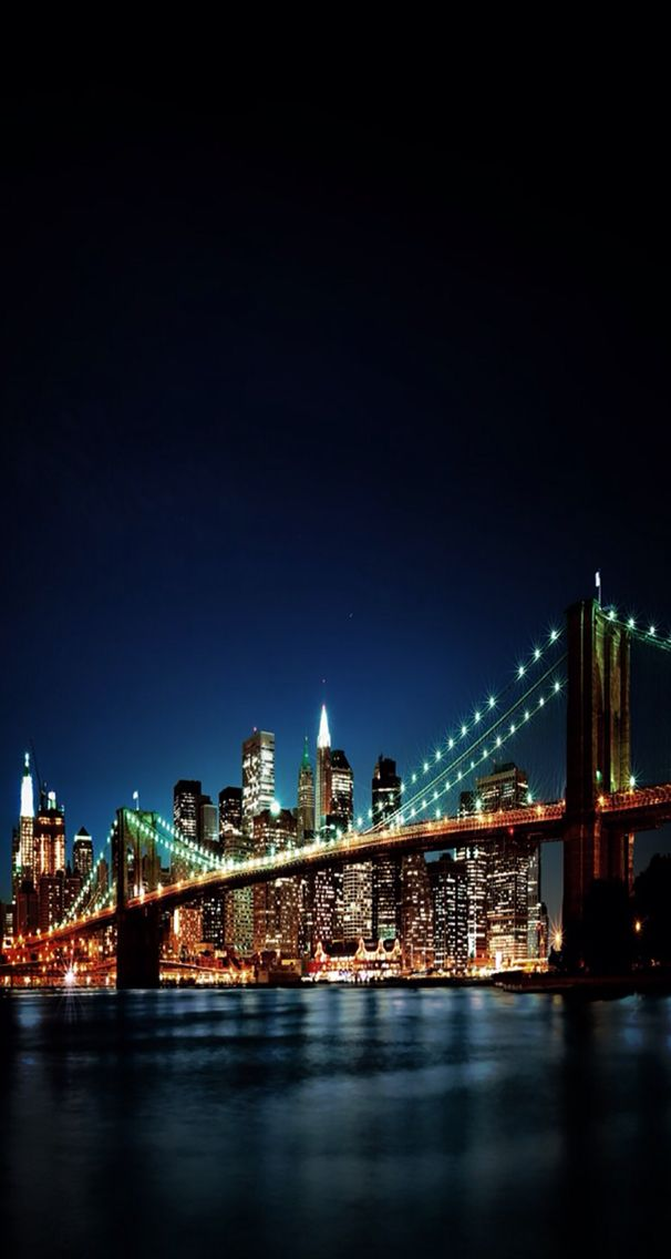 Brooklyn Bridge And Manhattan Skyline At Night New York City Manhattan Skyline City Skyline Wallpaper Bridge Wallpaper