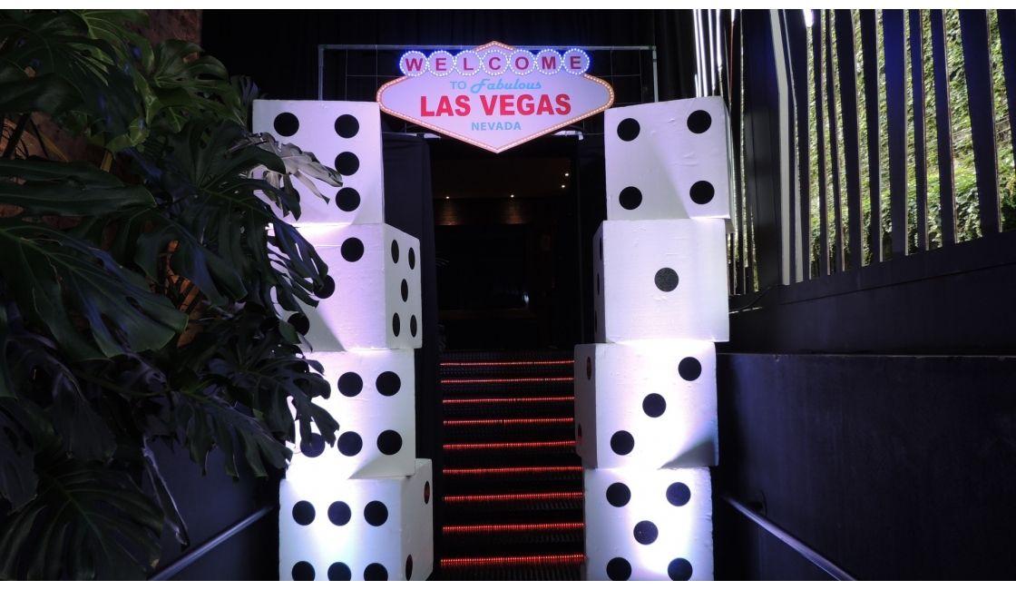 Evento Temático: Las Vegas Cliente: Ariam Equipamentos, Fast ...