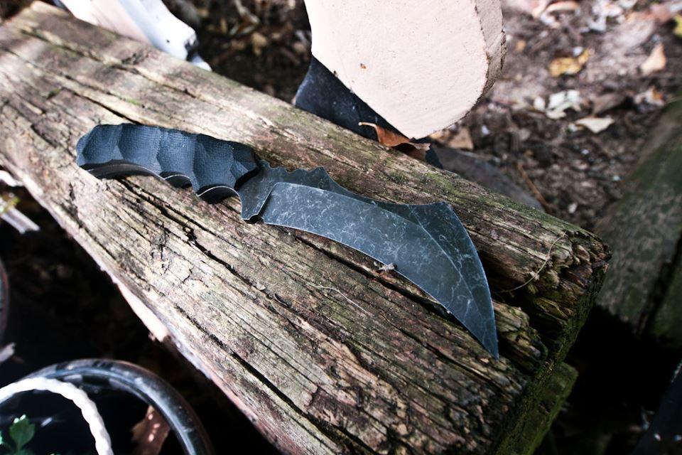 Hawkbill Knives fixed blade