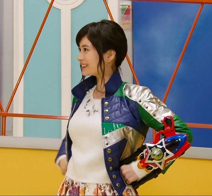 ハミイちゃん !^ ^ ❤️❤️❤️(大久保桜子) | Uchuu Sentai Kyuranger 宇宙戦隊キュウレンジャー | Pinterest | Hero