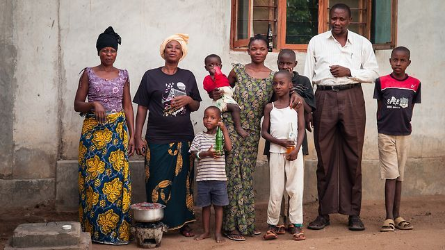 The video above is based on the human-centered design approach that IDEO.org used to examine the habits, motivations, and aspirations of cookstove users in Tanzania in partnership with the Global Alliance for Clean Cookstoves.