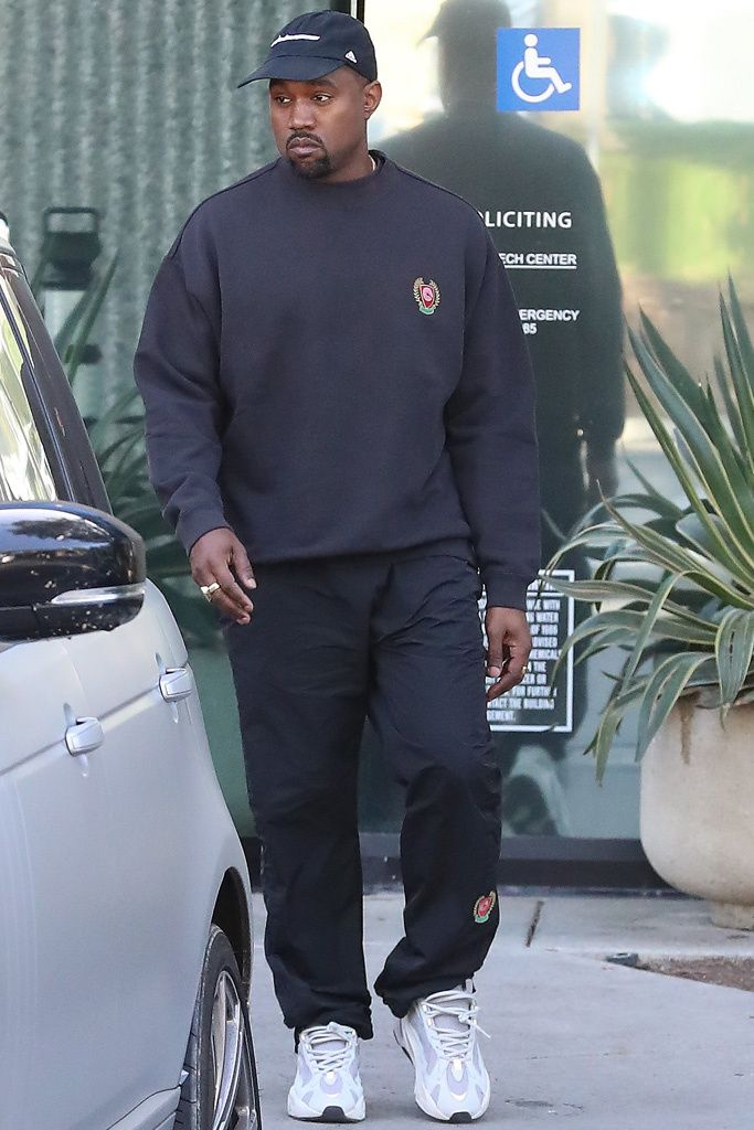 Kanye West Wears Unreleased Yeezy Sneakers Days After Birth Of New Daughter Chicago In 2020 Kanye West Outfits Kanye West Style Kanye Fashion