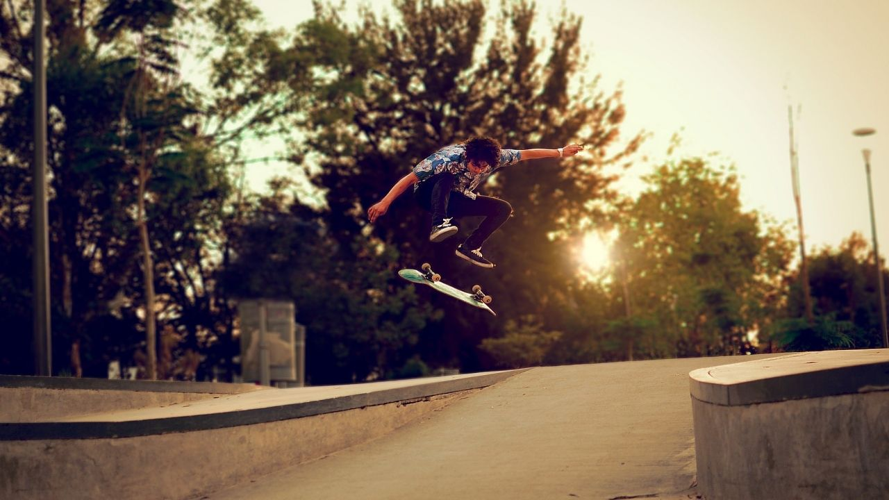 Sports_Skateboard_Skateboarding_Jump_Stop_Action_Sunset