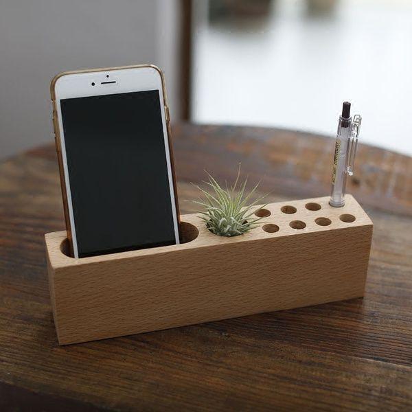 Arredamento moda organizzazione scrivania in legno porta for Porta cellulare fai da te jeans