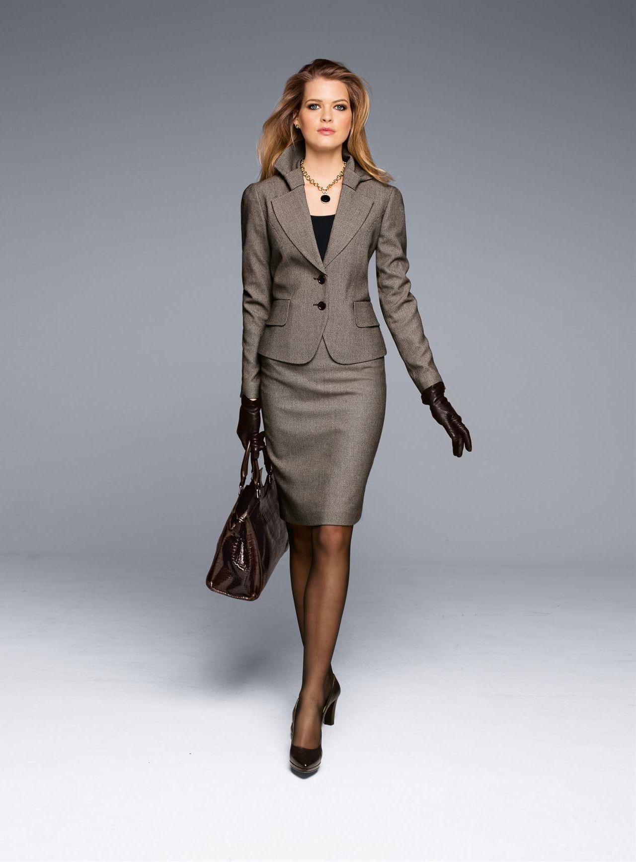 Skirt suits, uniforms, amazing dresses...: Photo | Buscando Tu ...