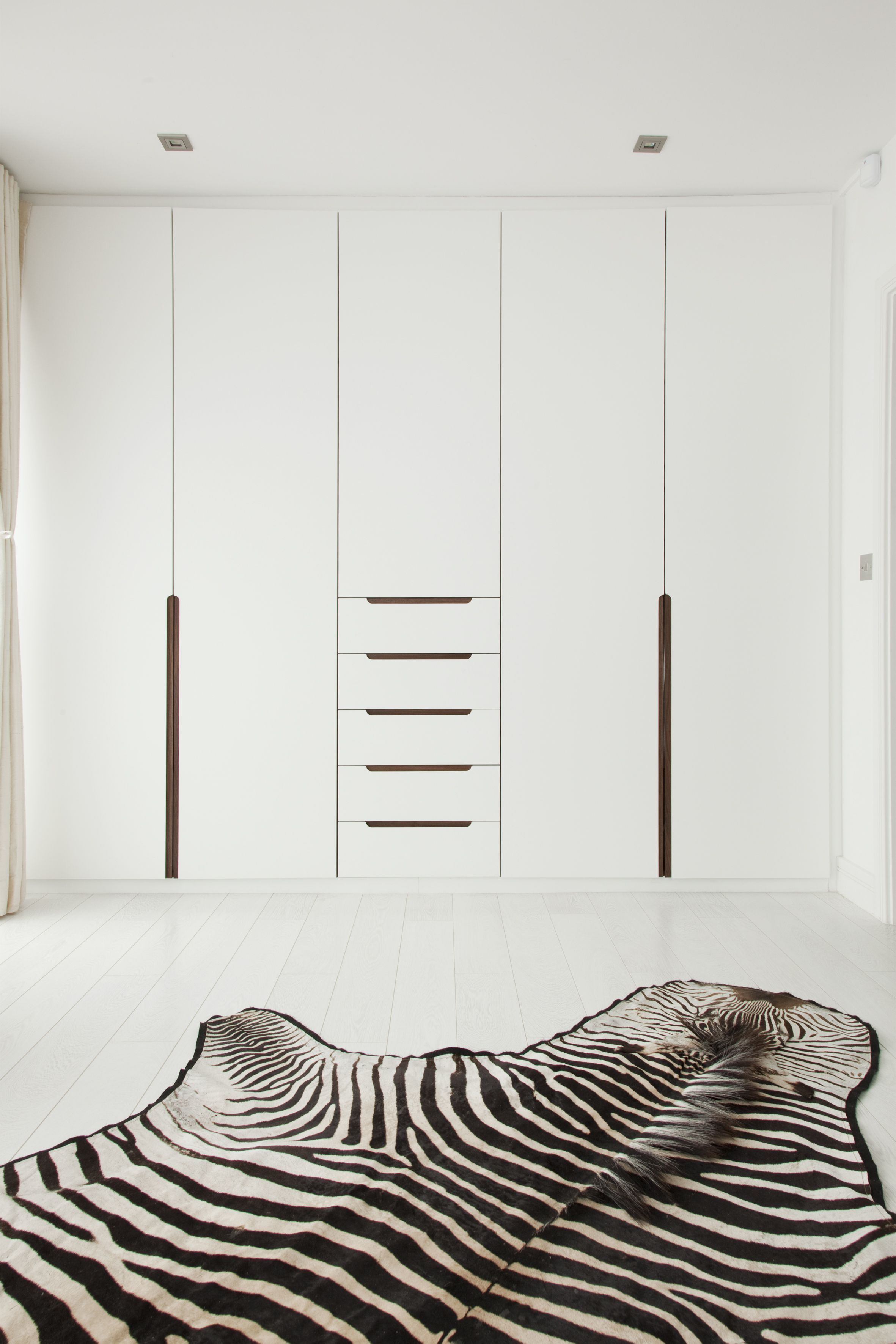 Top 30 Wardrobe Door Ideas To Attempt To Make Your Room Clean As Well As Spacious Closet Door Ideas Comb Porte Placard Porte Armoire Placard Chambre A Coucher