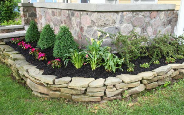 Beau Rocks+as+Flower+Bed+Borders+|+10+Captivating+Rock+Garden+Ideas
