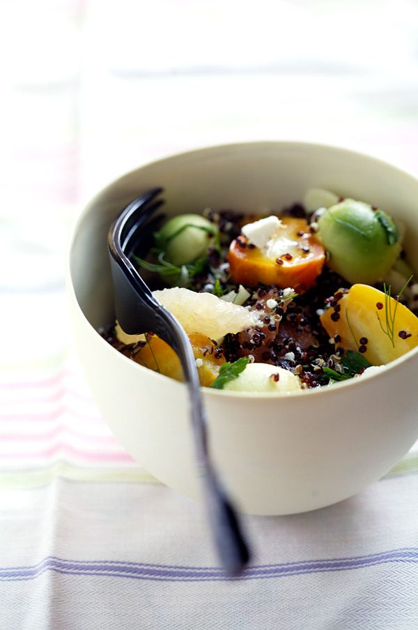 Black quinoa salad : I've never even heard of black quinoa but it looks so pretty--doesn't this just make you think of summer?