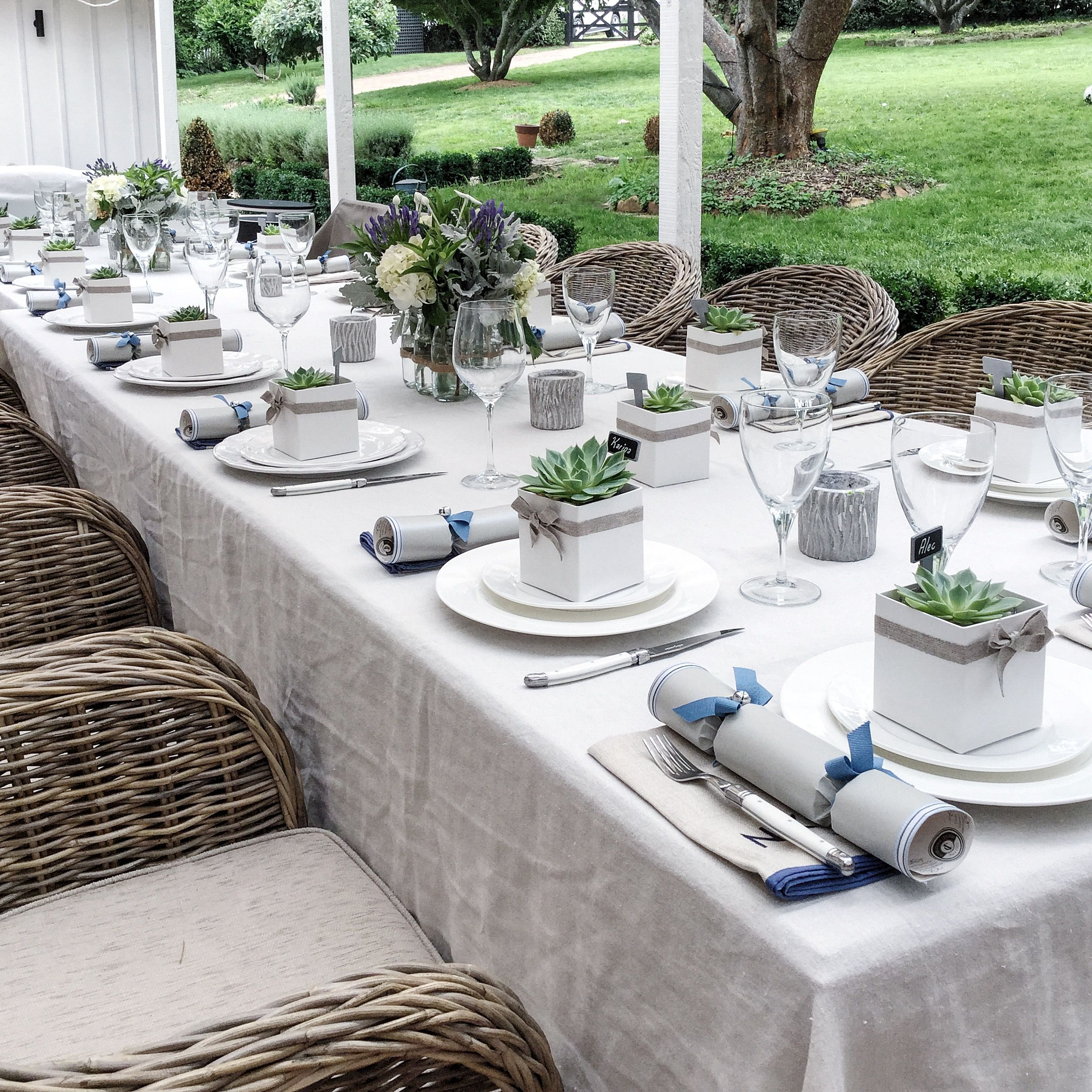 Essentials For Easy Entertaining Christmas Table Settings Xmas Table Decorations Outdoor Table Decor
