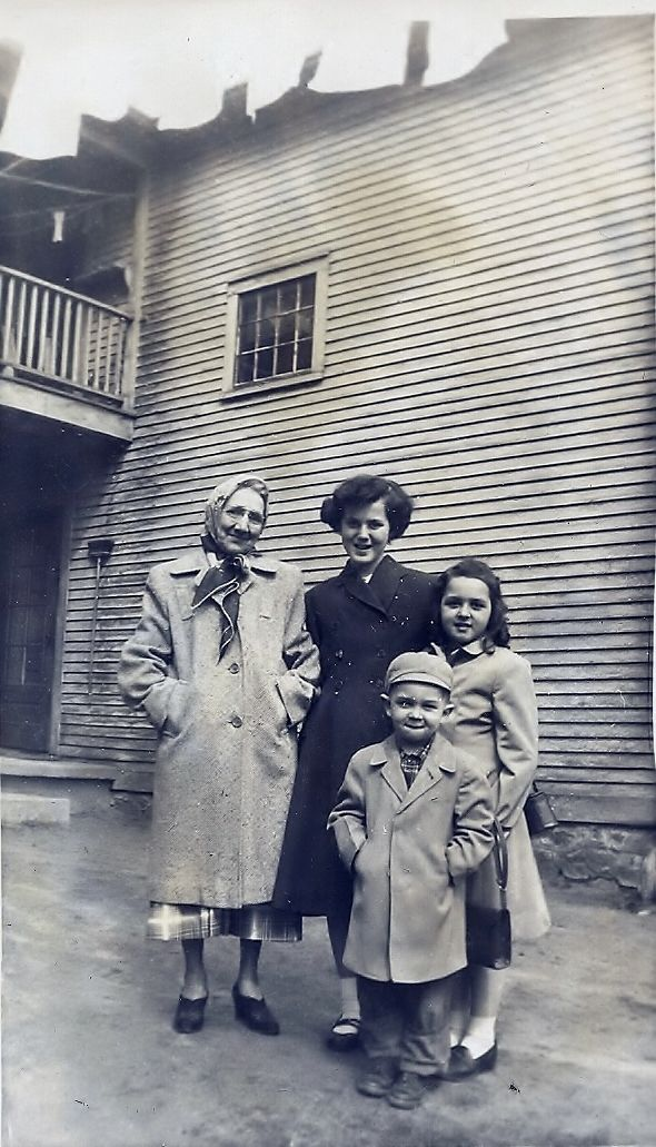 Grandmother Durant, Jennette Shay, Diana and Alan Plante