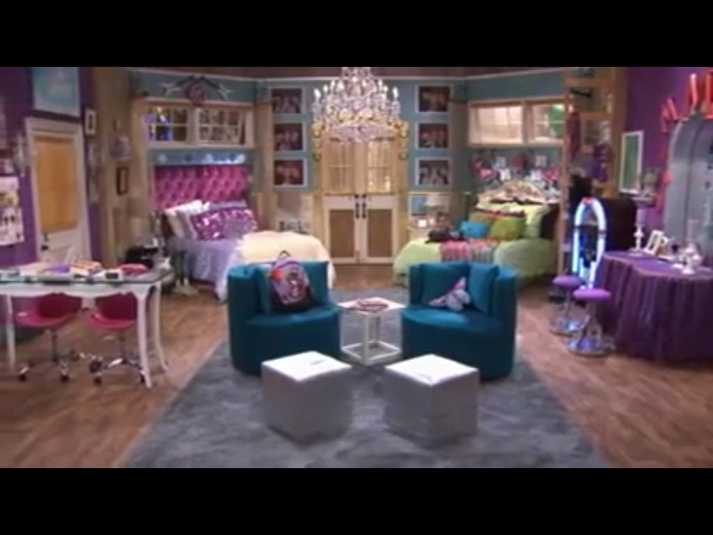 I wish my sister and i had this room from hannah montana p for Kids dream room