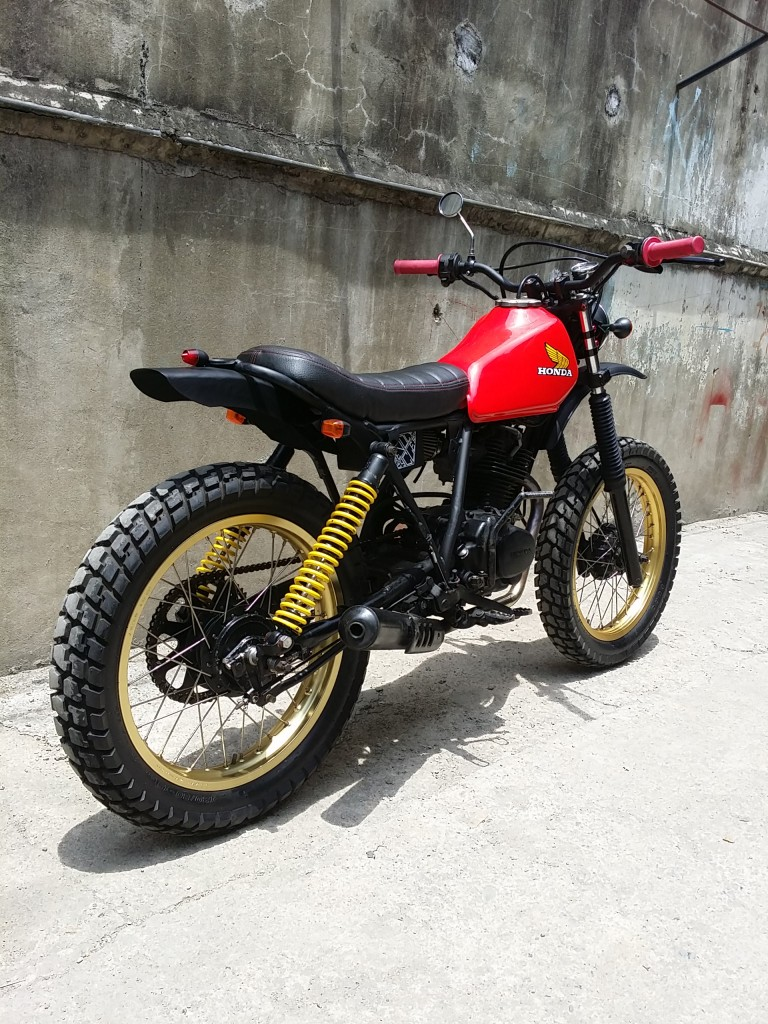 """Bike Feature Revolt Cycles' Honda XL125 """"RVLT08"""" Cafe"""