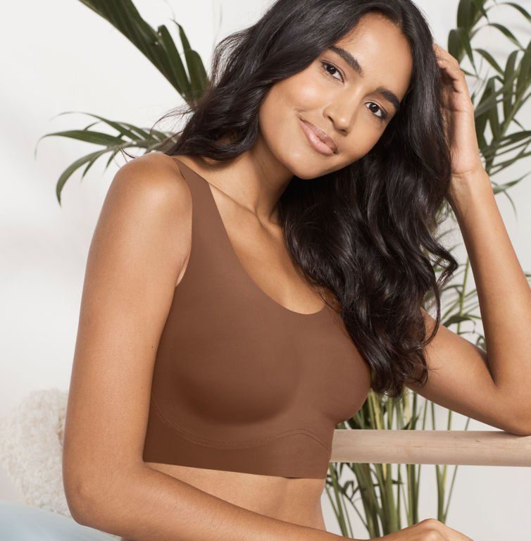 22c5717ef86 These Are the 15 Best Bras for Large Busts, According to the ...