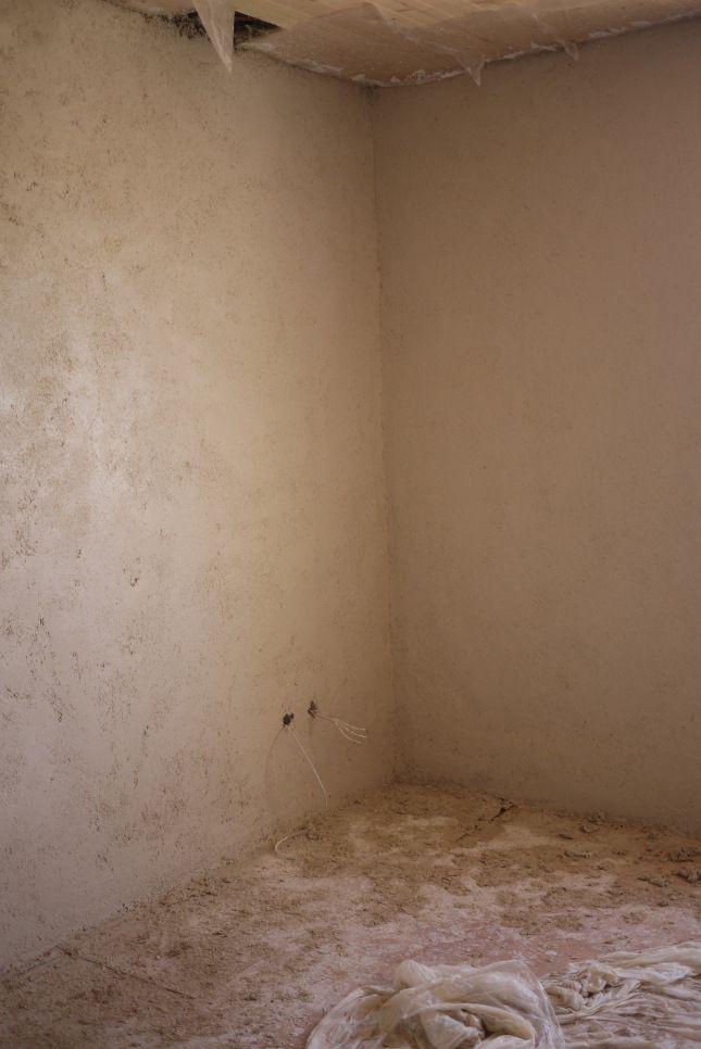 Enduit de finition chaux chanvre sur mur en pis - Enduit de chaux interieur ...