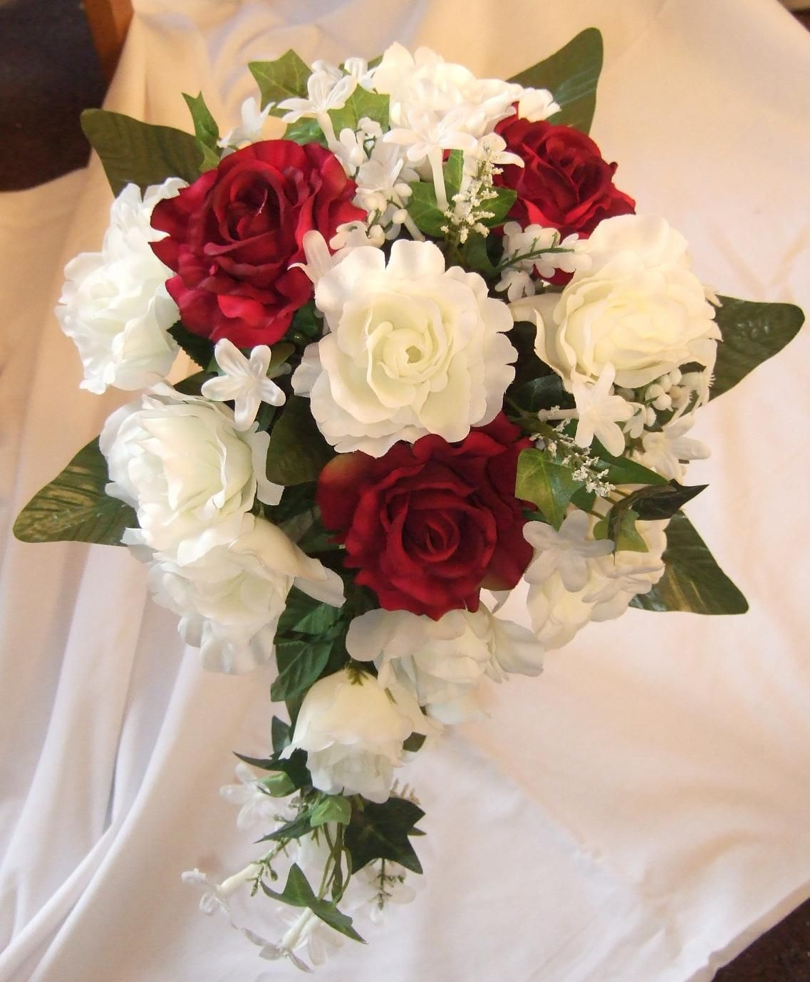 Wedding bouquets red and white roses  BurgundySilkWeddingFlowerIdeasBurgundyandwhiterosesg