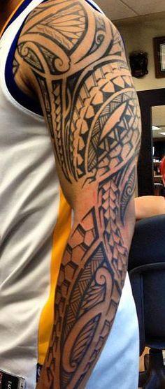 Tatouage Polynesien Maori Tout Bras Avec Images Tatouage