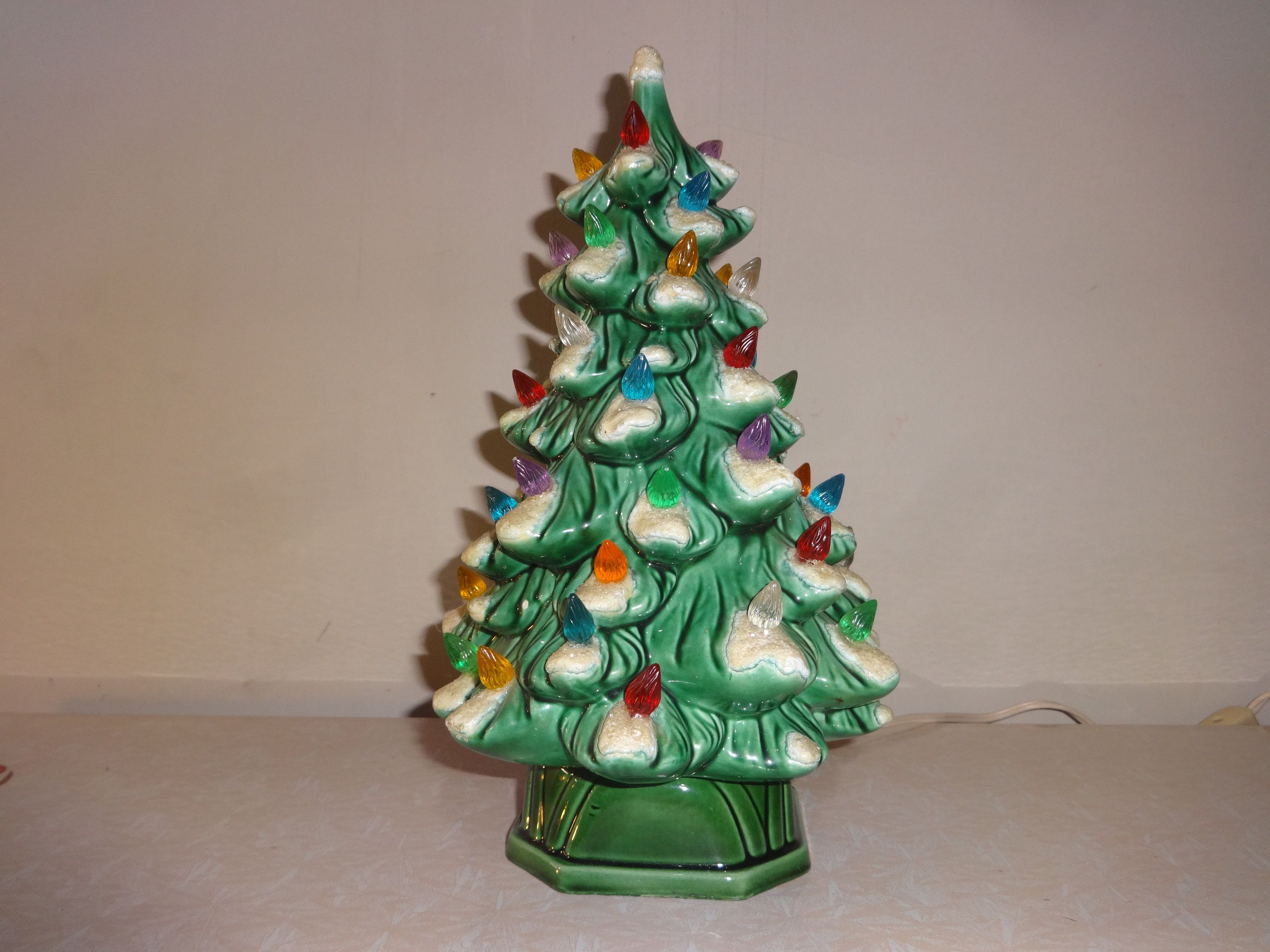 Vintage Holland Molds Ceramic Snow Capped Christmas Tree With Multi Colored Lights Ceramic Christmas Trees Christmas Tree With Snow Christmas Tree