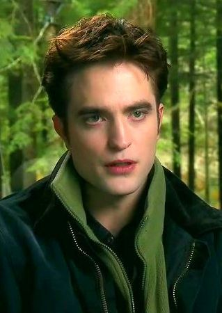 Robert Pattinson on Breaking Dawn set #Twilight