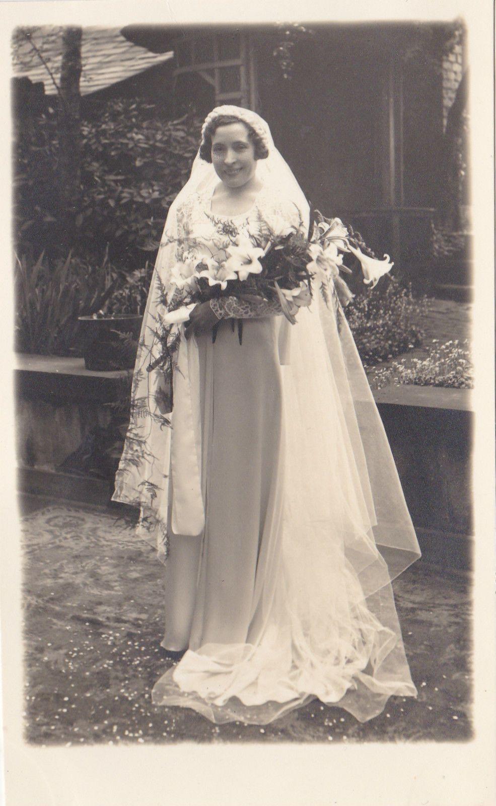 Pretty Bride with Lillies