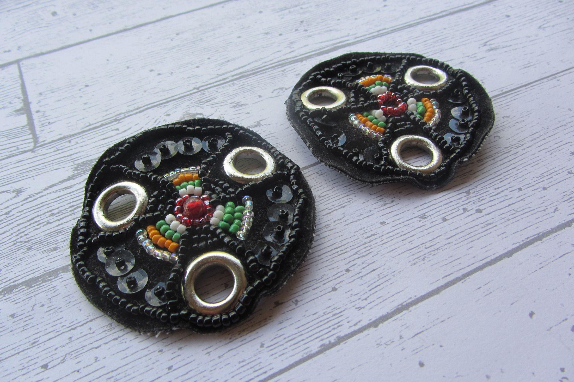 Lot de 2 pièces textiles perlées récupérées 3 trous : Autres accessoires bijoux par bronze-vintage