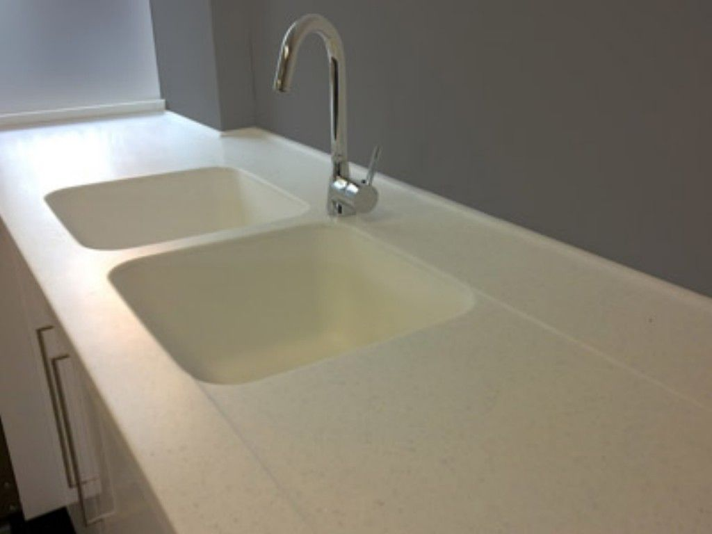 Corian integrated sinks corian kitchen sinks ideas for Stainless steel countertop with integral sink