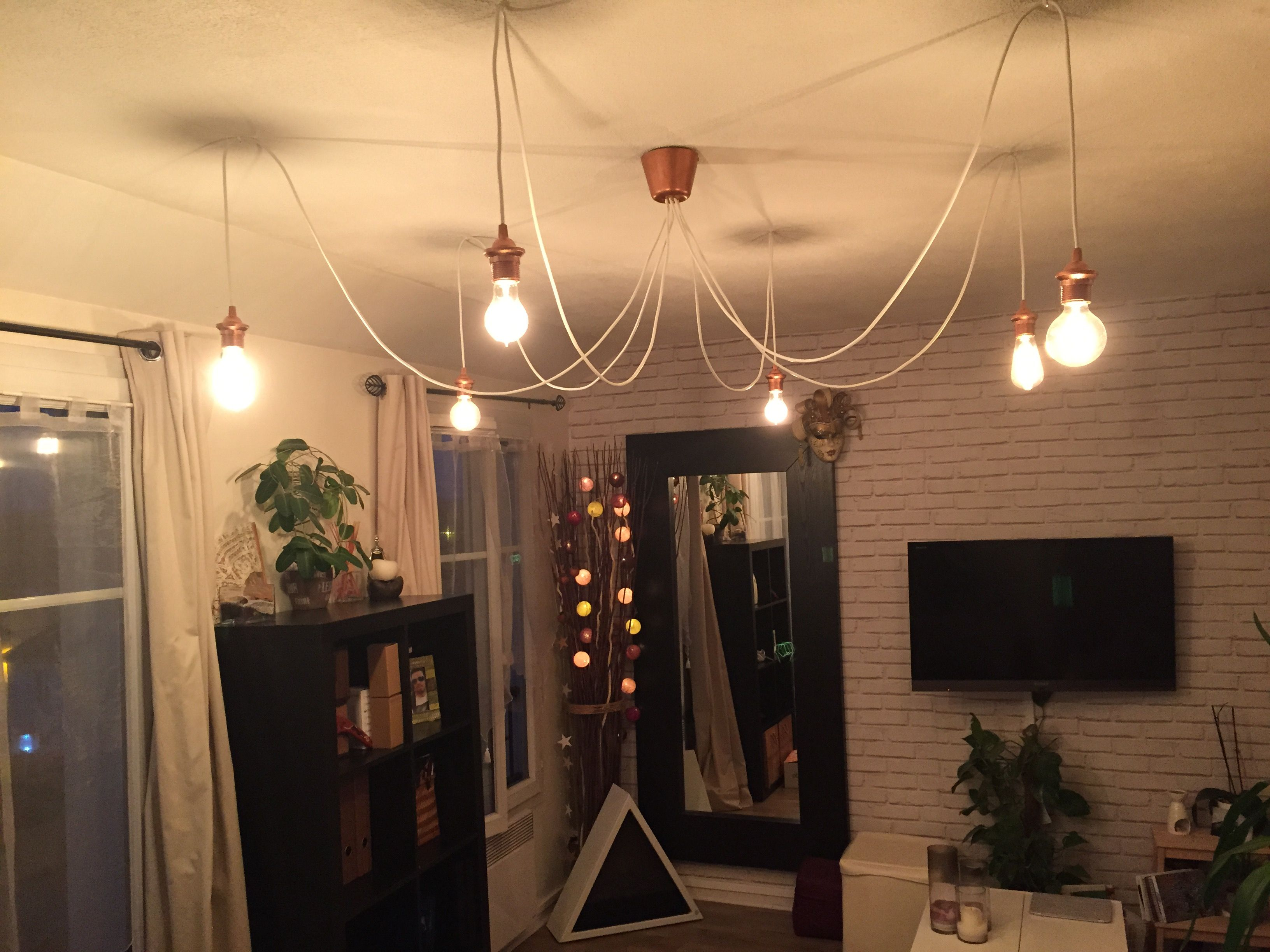 Luminaire style araign e homemade partir des for Luminaire suspension salon