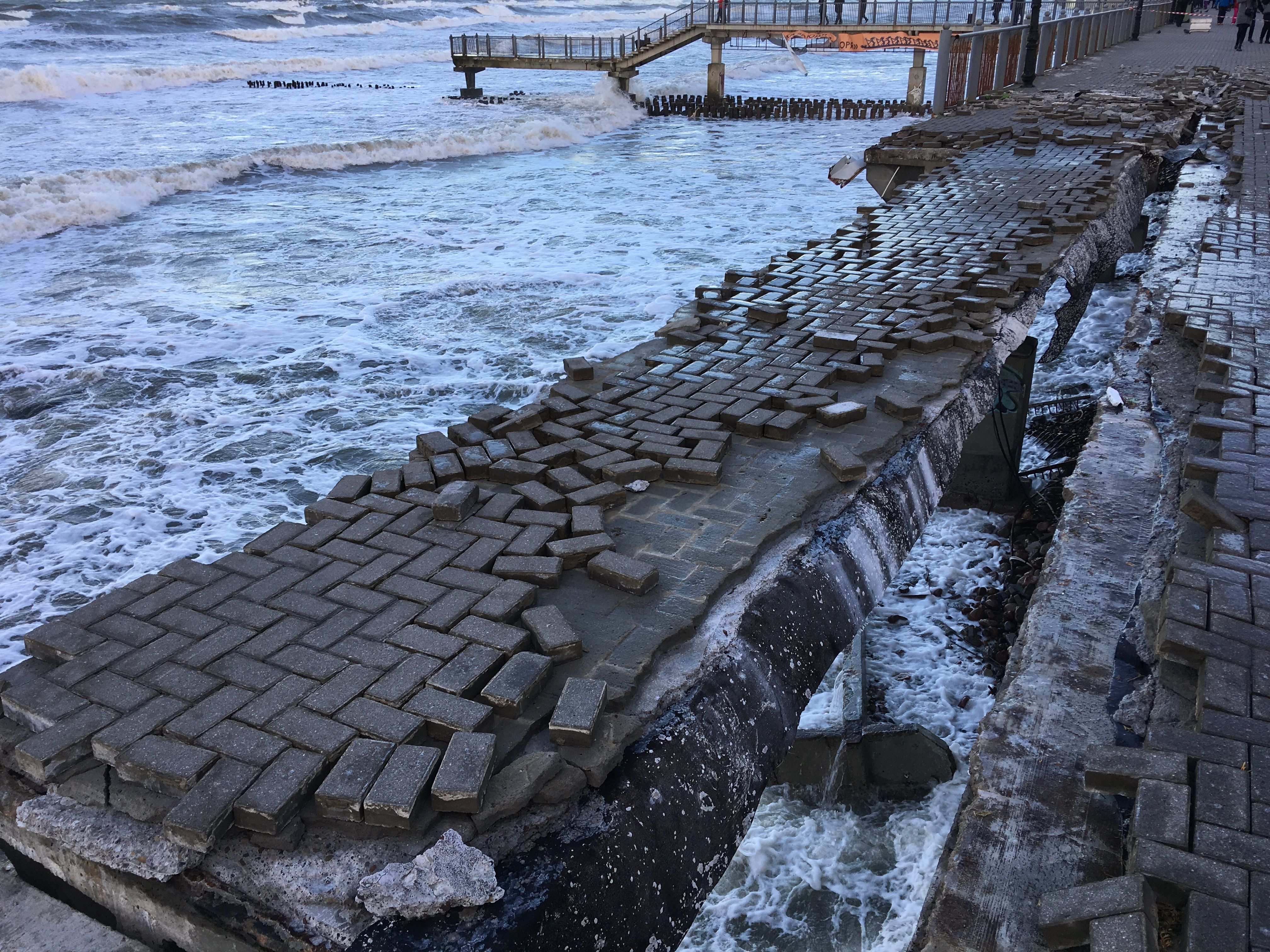 Последствия шторма, Светлогорск, январь 2019, видео в статье