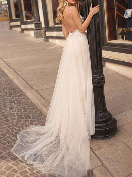 Robe de mariée Boho 2020 Une ligne V cou Bretelles Robes de mariée de plage de tulle sans manches