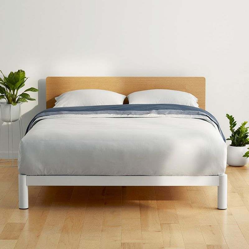 Eco Leather Platform Bed With Curvy Details Tempat Tidur