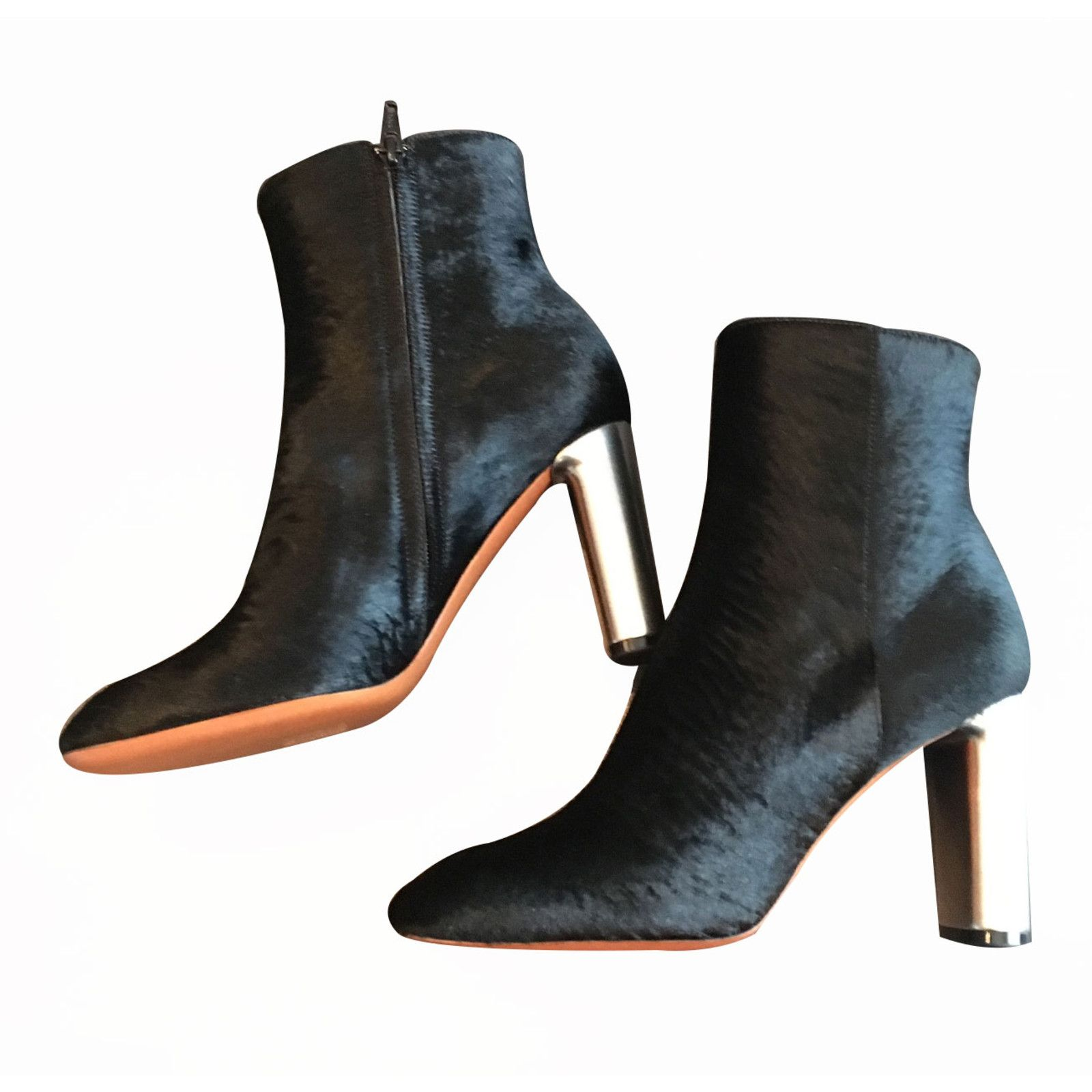 Outlet Fast Delivery Online Cheap Pre-owned - Pony-style calfskin ankle boots Celine Wholesale Price Cheap Price AyznI