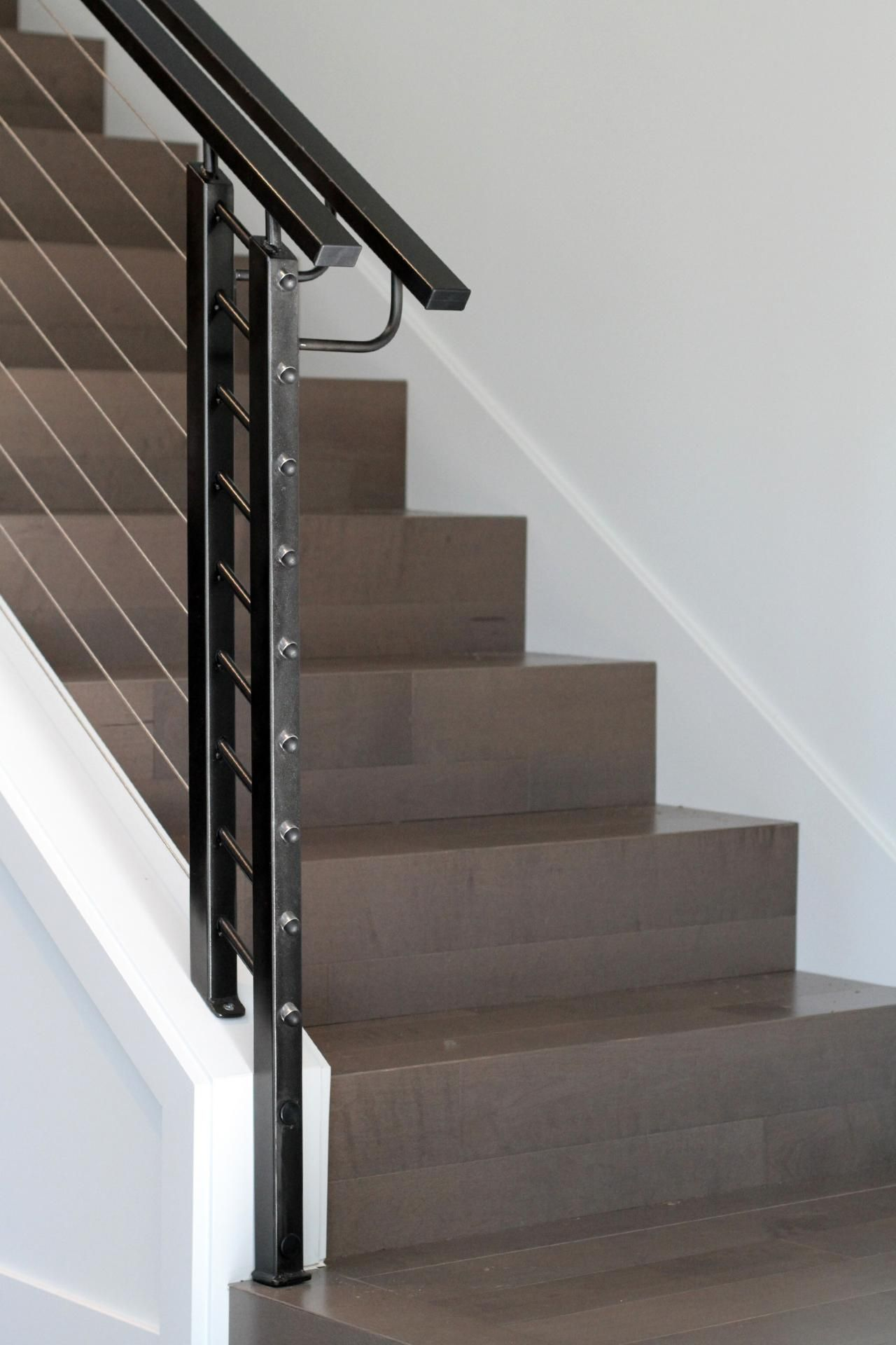 This Sleek Staircase Features Perfect 90 Degree Edges On The
