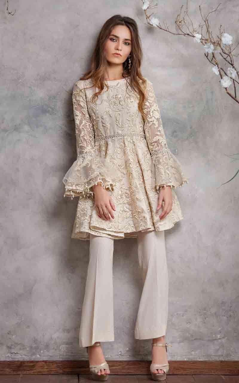 New Stitching Styles Of Pakistani Party Dresses In 2020 Pakistani Dresses Casual Pakistani Fashion Casual Pakistani Bridal Dresses