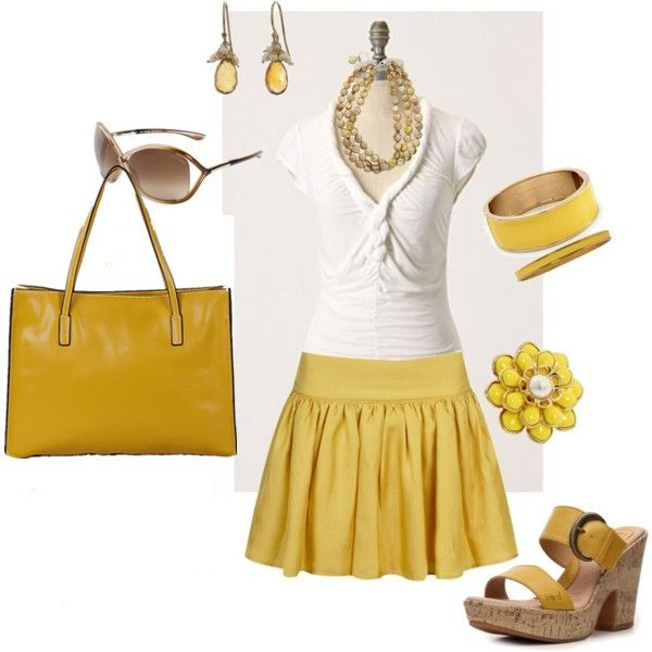 Lemon yellow is one of the hottest color this season, you can't miss it, get the lemon leather  bag in your closet