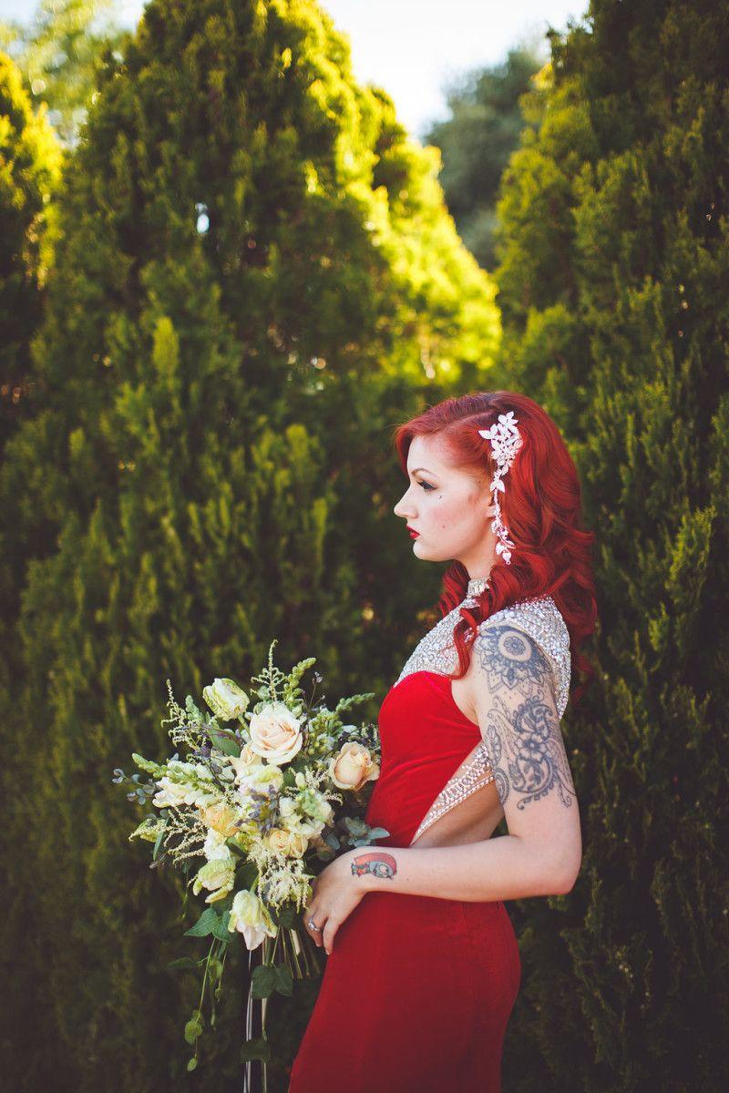 This Jessica Rabbit bridal look had us saying, \