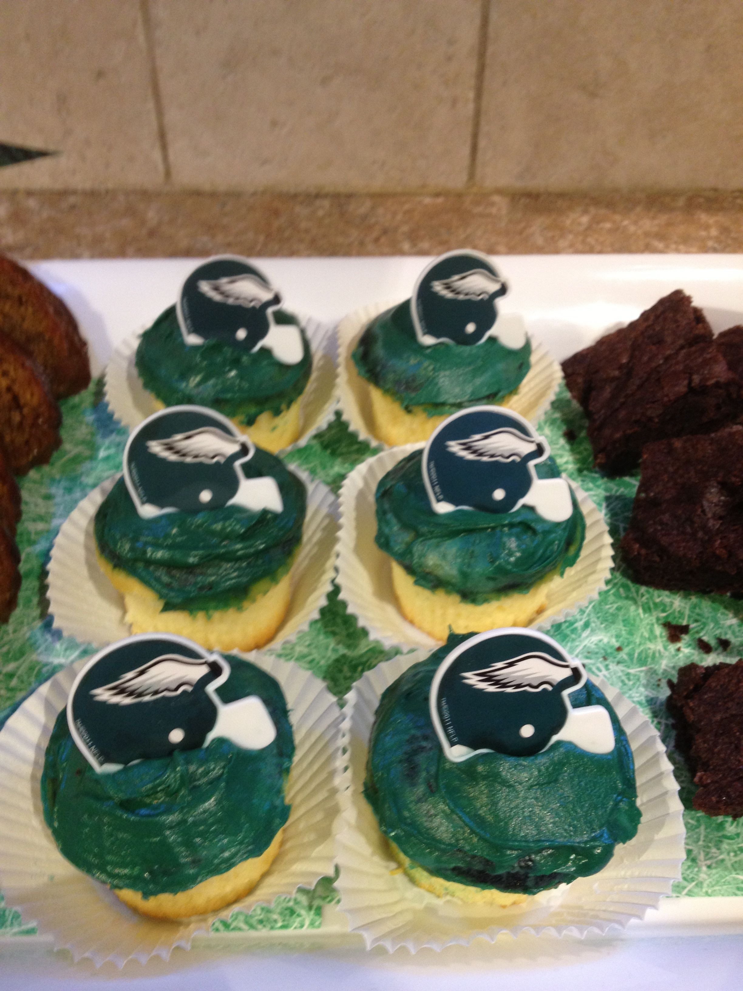 Eagle Cupcakes Silver Linings Playbook Bunco Party Pinterest Eagle And Cake