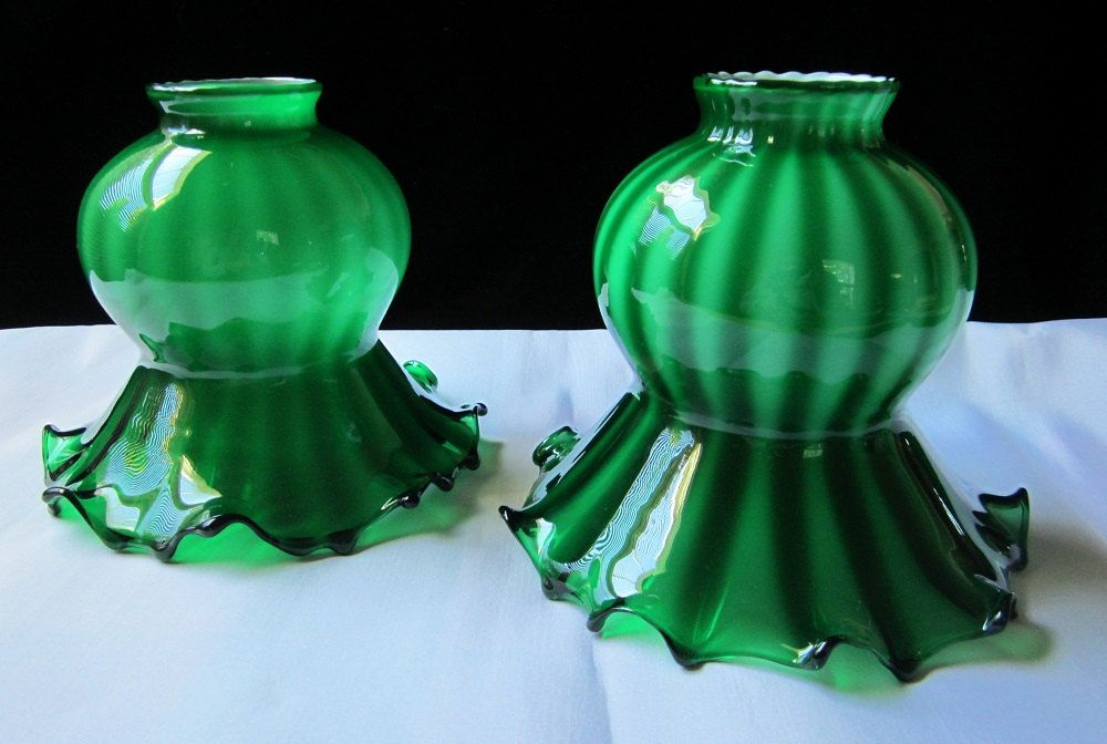 Victorian Ruffled Tulip Lamp Shades 2 Pc Vintage Art Glass Set Emerald  Green Rib Pair Hand