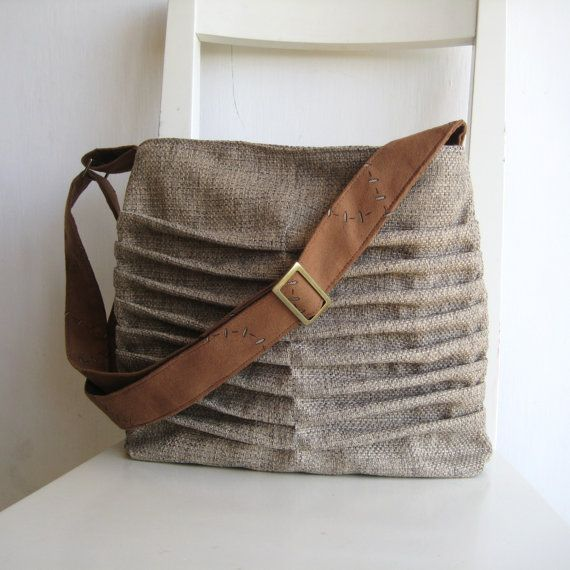 Ruthy | Natural Color Canvas pleated Bag with Cognac/Camel ...