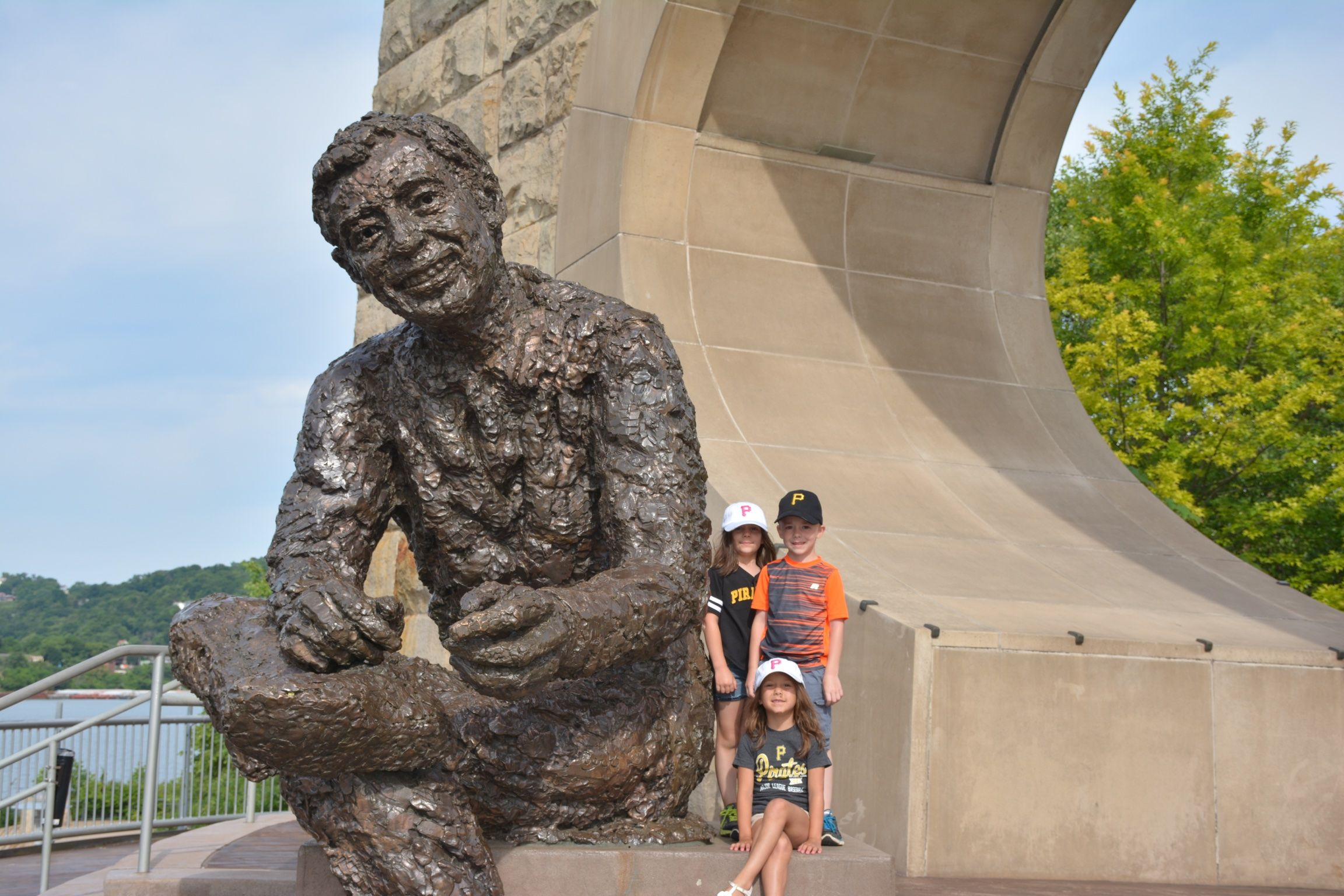 Fred Rogers Statue In Pittsburgh Vacation Wishes Fred Rogers Statue