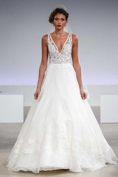 Anne Barge Bridal Fall 2017 Fashion Show | Hochzeitskleider