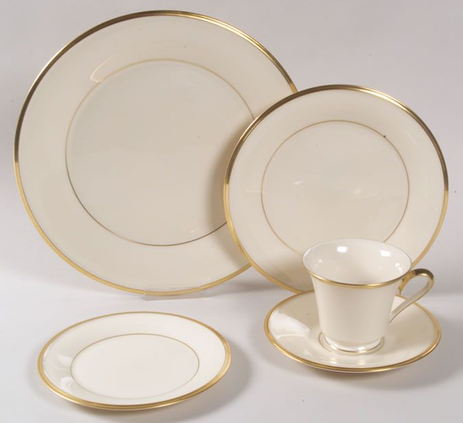 Dinnerware Patterns | Lenox China S Dinnerware And Collectible Patterns  Have Been Showcased ... Place SettingsTable ...