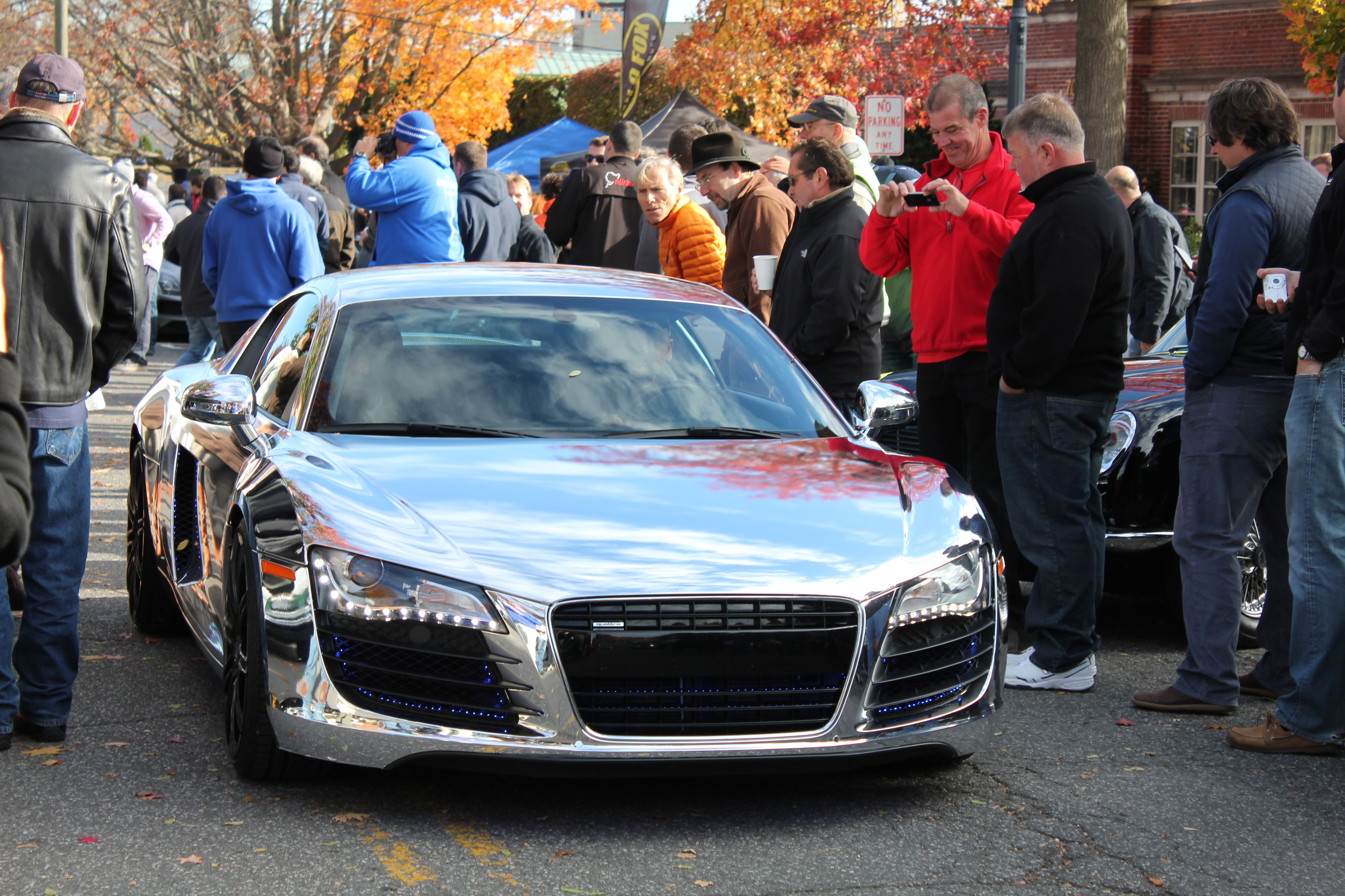 Look At This Audi R8 Paint Job At Caffeine &