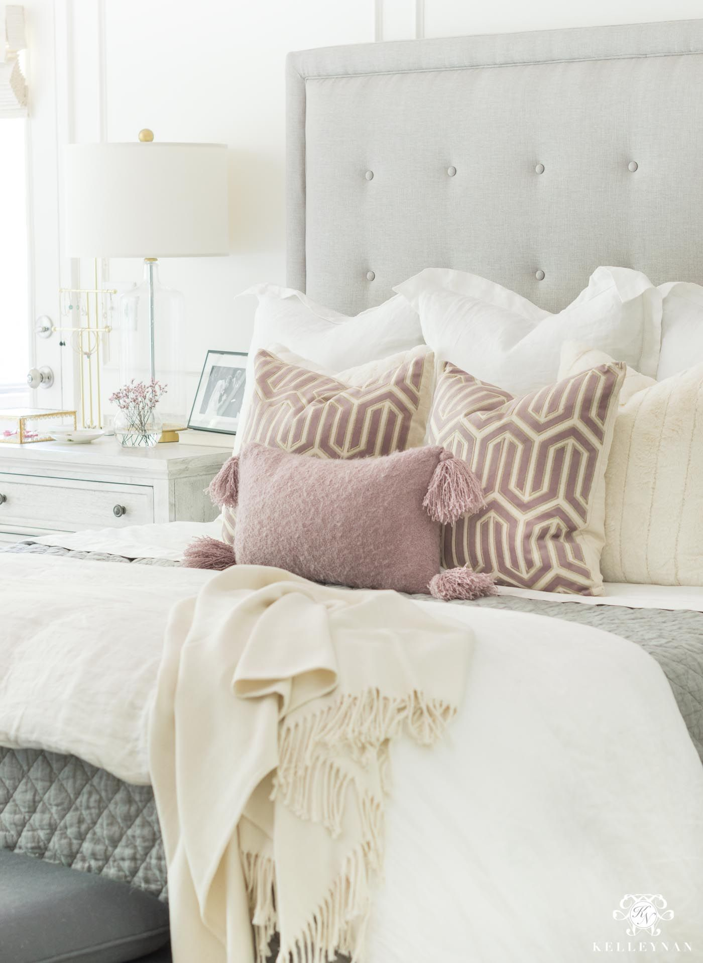 How To Layer A Bed With Pillows And Blankets Bedding Masterbedroom