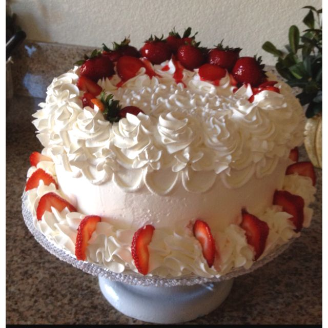 Gateau Cake Strawberry Cake